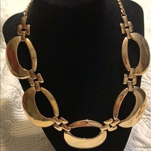 Vintage style necklace gold tone